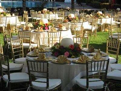 Renta de sillas y mesas para fiestas y eventos en m xico for Modelos de mesas cuadradas